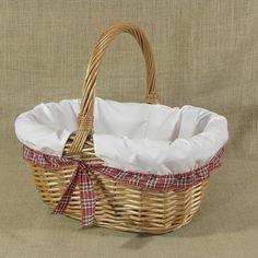 Wiklinowy koszyk obszyty materiałem w kol. białym