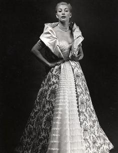 Balmain, 1953.