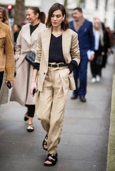 LONDON, ENGLAND - FEBRUARY Alexa Chung is seen wearing beige suit, Chanel sandals outside Erdem during London Fashion Week February 2019 on February 2019 in London, England. (Photo by Christian Vierig/Getty Images) Alexa Chung Style, Alexa Chung Book, Fashion Week, New York Fashion, Fashion Trends, London Fashion, Fashion Ideas, Women's Fashion, Fashion Outfits