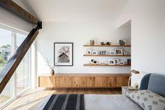 Wandverkleidung Wohnzimmer Modell : Wandverkleidung holz indirekte beleuchtung orientteppich weisse