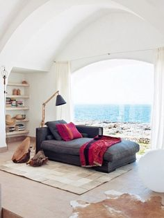 Reading corner by the sea: chaise lounge with Tailak cushions. Menorca Architect Quico Moll, by Dew Olivares Interior Exterior, Interior Architecture, Luxury Interior, Room Interior, Living Spaces, Living Room, Design Case, Interiores Design, My Dream Home