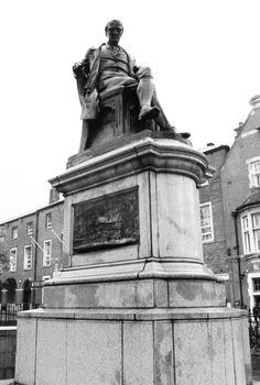Samuel Crompton's statue on Nelson Square.