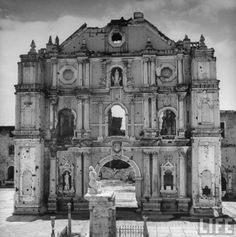 San Francisco church showing the damage of WWII, Intramuros, Manila, Philippines, July 1946 Regions Of The Philippines, Voyage Philippines, Les Philippines, Philippines Travel, Historical Architecture, Architecture Details, Valladolid, Philippine Architecture, Philippine Holidays