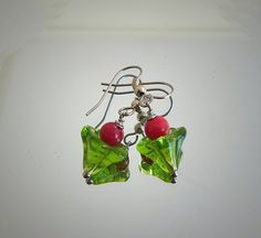 Red green earrings green flower Czech glass red jade / door deBATjes