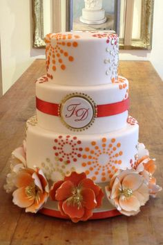 "Chic wedding cake! #KeepItSimple #WeddingCake ""Bobbette & Belle 