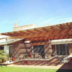 Terraza de #glulam con media sombra por O+O Arquitectura + Madera