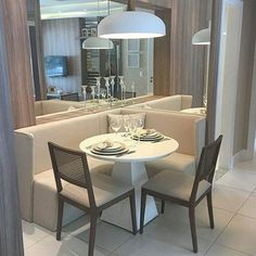 27 Ideas breakfast nook couch chairs for 2019 House Design, Kitchen Design Small, Condo Living, Dining Room Small, Dining Room Design, Home Decor, Living Room Interior, Cottage Dining Rooms, Interior Design