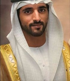 Handsome Men Quotes, Handsome Arab Men, Dubai, Prince Wedding, Arabic Wedding Dresses, Royal Family Pictures, Prince Of Egypt, Prince Mohammed, Prince Crown
