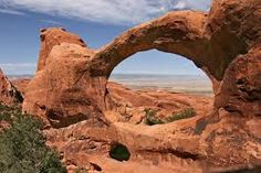 https://www.google.com/maps/place/Arches National…