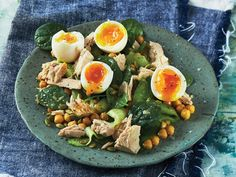 Australian Eggs quick and easy After The Gym Egg Tuna And Chickpea Salad recipe that is sure to keep everyone at the table happy and full! Salads For Picnics, Healthy Salads, Healthy Recipes, Healthy Food, Simple Spinach Salad, Tuna And Egg, Chickpea Salad Recipes, Dressing, Chowders