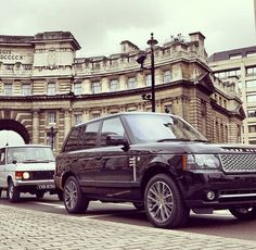So elegant! Love Range Rover! <3