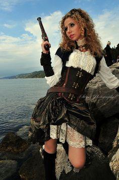Women Steampunk Pirate   Go Back > Gallery For > Steampunk Female Pirate