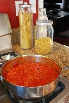 Marinara Sauce I added 1 package of fresh whole mushrooms when I ad. - -Giada& Marinara Sauce I added 1 package of fresh whole mushrooms when I ad. Giada Recipes, Pasta Recipes, New Recipes, Cooking Recipes, Favorite Recipes, Healthy Recipes, Spaghetti Recipes, Italian Dishes, Salads