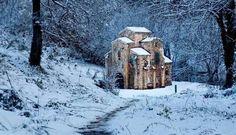Nieve en Asturias Paraiso Natural, Romanesque, Mount Rushmore, Spain, Snow, Mountains, Nature, Travel, Painting