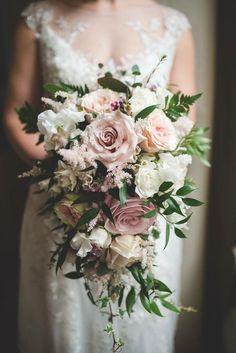 Tear drop shaped bouquet