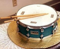 Snare drum cake groom's cake idea for Bryan! Crazy Cakes, Fancy Cakes, Cute Cakes, Music Themed Cakes, Music Cakes, Piano Cakes, Theme Cakes, Cake Wrecks, Unique Cakes