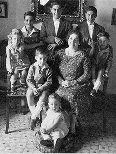 familia Bienvenida de niños con la mama