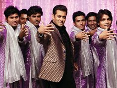 Salman Khan grooved to 'O O Jane Jana' at the Filmfare night and nailed it!