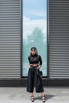 Wallace-yolicia-fashion-swiss-bloggers-how-to-wear-black-lace-tops-summer-tips-2016-all-black-outfits-style
