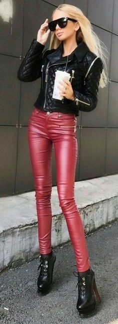 Leather pants and jacket street style 👄 Sexy Outfits, Casual Outfits, Fashion Outfits, Womens Fashion, Shiny Leggings, Leggings Are Not Pants, Black High Heels, Models, High Heel Boots