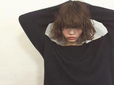 ボブには根元からのクセっぽいパーマ 前髪にもね #people_aoyama #people_minowa #hair #hairstyle #bob #perm #fashion #ヘアスタイル#切りっぱなしボブ #パーマ #作品撮り