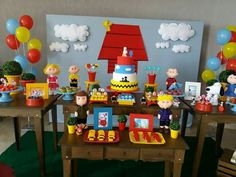 Snoopy Birthday, Snoopy Party, Snoopy Love, Charlie Brown And Snoopy, Baby Girl 1st Birthday, Dad Birthday, Birthday Party Centerpieces, Birthday Party Themes, Bolo Snoopy