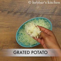 potato pancakes recipe Easy Samosa Recipes, Veg Recipes, Potato Recipes, Indian Food Recipes, Vegetarian Recipes, Snack Recipes, Cooking Recipes, Ethnic Recipes, Paneer Sandwich