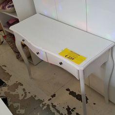 scrivania o #consolle #shabby #rientrateallabase
