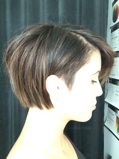 Undercut bob. Balayaged short hair.