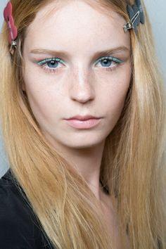 Jenny Packham at New York Spring 2016. http://adventuresfortwo.com/ #makeup #beauty #runway #backstage