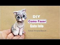 Diy How to make Cat Very Easy - Viviana Biscuit Polymer Clay Cat, Polymer Clay Miniatures, Polymer Clay Projects, Fondant Animals Tutorial, Cat Cake Topper, Instruções Origami, Clay Jar, Fondant Figures, Clay Animals