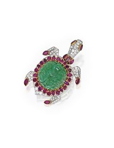 A Cartier Paris Platinum, 18 K Gold, Carved Emerald, Ruby, and Diamond Brooch. Cartier Jewelry, Emerald Jewelry, Antique Jewelry, Emerald Pendant, Emerald Earrings, Emerald Diamond, Jewellery, Turtle Jewelry, Animal Jewelry