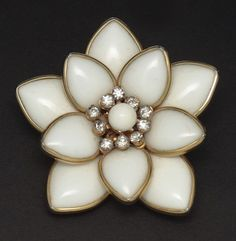 Vintage 1940s Poured Molded Glass Pin Brooch Flower Rhinestones Milkglass Patented For Sale