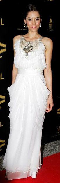 Turkish Actress: Cansu Dere