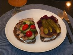 #Smørrebrød #Danish #Frikadelle. Quick & Easy Open Face Meatball Sandwich for Lunch & Dinners.  Check out the video!