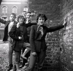 Adore these supremely cinemagraphic photos of Teddy girls  by photographer and film director Ken Russell. Before he went on to direct epic c...