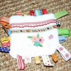 Baby Gift: Tag Lovey