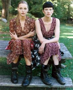 suicideblonde:    Kristen McMenamy and Nadja Auermann photographed by Steven Meisel for Vogue US, December 1992