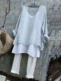 Casual Long Sleeve V Neck Plain Shirts & Tops – Women's Fashion Plus Size T Shirts, Plain Shirts, Plus Size Blouses, Mode Hippie, Look Fashion, Womens Fashion, Fashion Clothes, Fashion Shirts, Fashion Styles