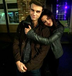 The Originals . Nathaniel Buzolic and Danielle Campbell as Kol and Davina The Vampire Diaries, Vampire Diaries The Originals, The Cw, The Mikaelsons, Kol E Davina, Davina Claire, Nathaniel Buzolic, Stefan Salvatore, The Orignals