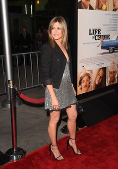 Jennifer Aniston Photos - Actress Jennifer Aniston attends the premiere of Lionsgate and Roadside Attractions' 'Life of Crime' at ArcLight Cinemas on August 2014 in Hollywood, California. - 'Life of Crime' Premieres in Hollywood Jennifer Aniston Movies, Jennifer Aniston Dress, Jeniffer Aniston, Jennifer Aniston Photos, Jennifer Love Hewitt, Kardashian Style, Kourtney Kardashian, Curvy Women Outfits, Clothes For Women