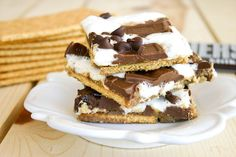 Christmas crack (the saltines and chocolate thing) but with smores ingredients! AWESOME picnic dessert this weekend?!?