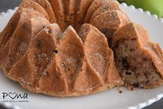 vůně kávy a pastelek: Hrušková bábovka s čokoládou a medem Ice Cream, Bread, Desserts, Recipes, Food, No Churn Ice Cream, Tailgate Desserts, Deserts, Icecream Craft
