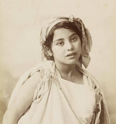 Vintage Photography, Portrait Photography, Ancient Beauty, Light Of Life, North Africa, World Cultures, Portraits, Historical Photos, Vintage Photos