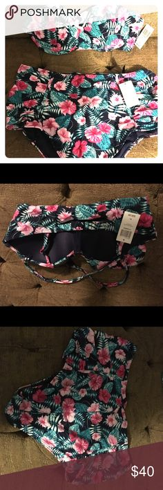 tropical print high waist bikini tropical print high waist bikini. From hot topic.  Top is xl bottoms are xxl. Brand new with tags!  Sanitary liner still in place! Will separate for $25 each piece! Or send me a message and I will make a separate listing for the piece you want and you can send an offer! ❤️😁 Hot Topic Swim Bikinis