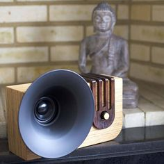 Edison: The Bluetooth Sound Machine. Retro wood Bluetooth