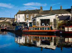 Skipton, North Yorkshire Skipton, Leeds and Liverpool Canal A picture of: Skipton, North Yorkshire