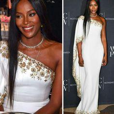 E também tem inspiração da diva das passarelas, Naomi Campbell, poderosíssima de vestido #ralphandrusso, no Monte Carlo Fashion Week Gala Awards, em Monaco.🌟 #glamourous #naomicampbell #fashionstyle #inspiration #montecarlofashionweek #monaco