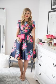 Adorable And Elegant Fashion For Fall With Flower Dress Style 15 Floral Fashion, Modest Fashion, Fashion Dresses, High Fashion, Fashion Fashion, Flower Dresses, Pretty Dresses, Beautiful Dresses, Mode Outfits