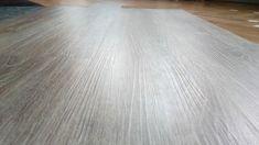 Designflooring Korlok. Kolekcia, ktorú môžete položiť aj na už existujúcu podlahu a neprekresli sa.  #designflooring #čistenie #vinyl #vinylovapodlaha #podlaha #podlahy #dizajn #interer #byvanie #architektura #dom #byt #luxus #vlhkost #kupelna #kuchyna #obyvacka #spalna #drevo #oprava #servis #vymena #lamela #pes #psy #zvieratá #dieťa #deti #balenie #preprava